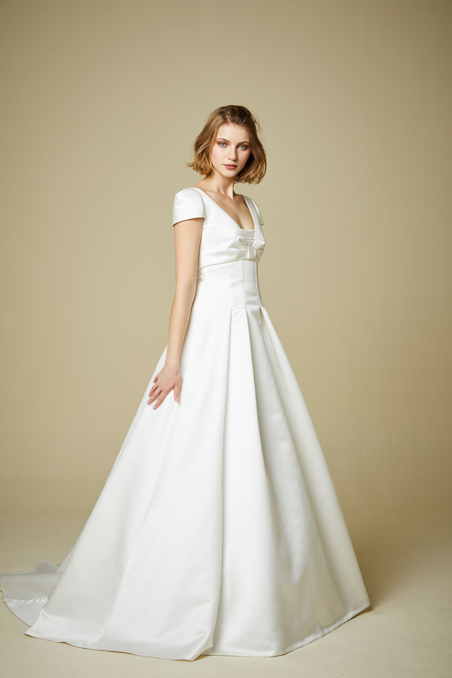 902 Jesus Peiro contemporary designer fashion wedding dress Miss ...